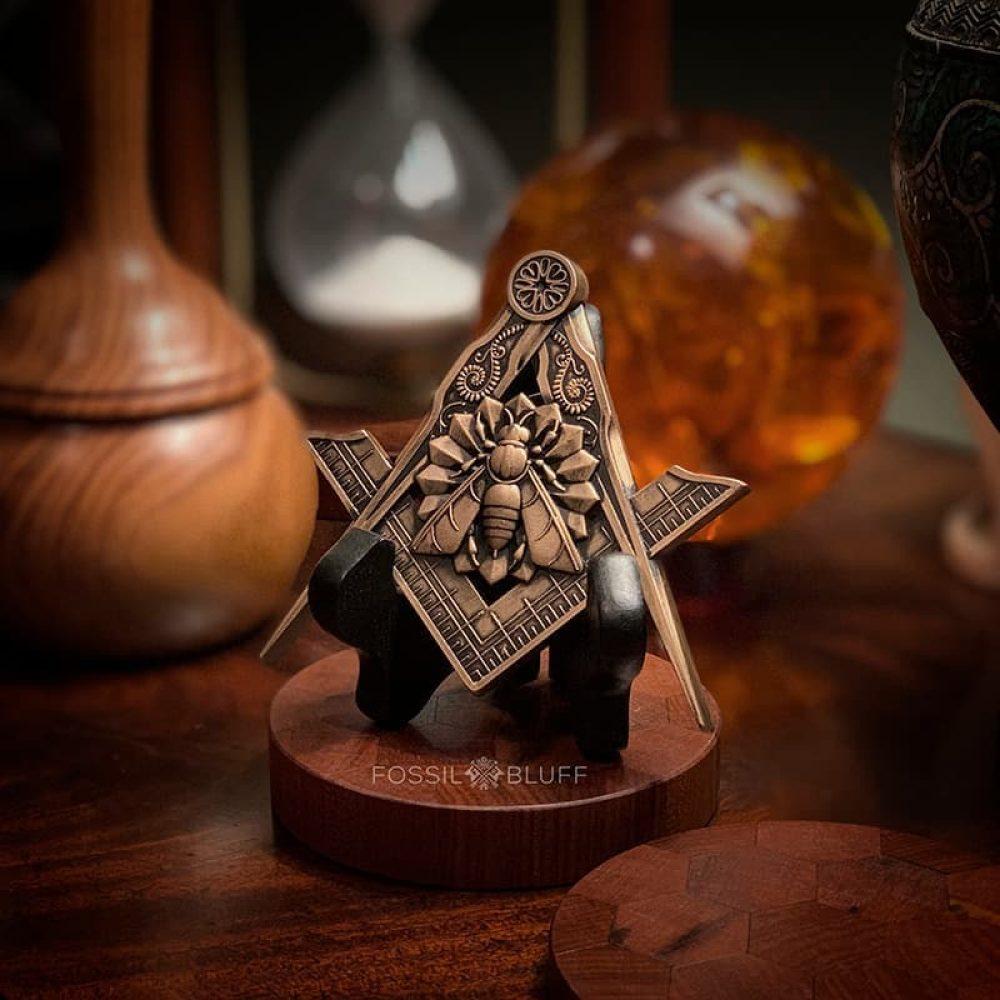 Industry Honey Bee Freemason Masonic Emblem Antique Gold Black Easel Master Mason MM