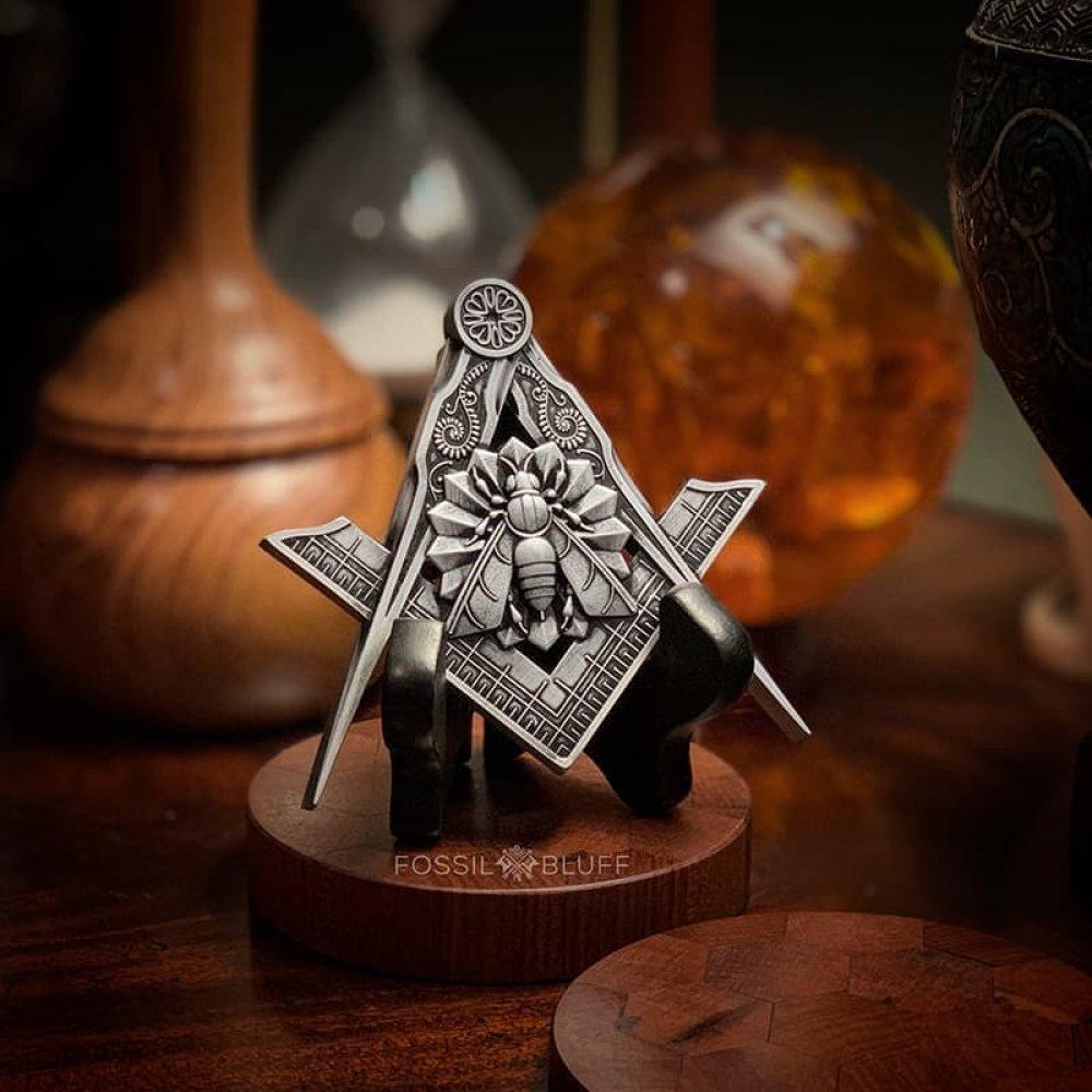 Industry Honey Bee Freemason Masonic Emblem Pewter Black Easel Master Mason MM